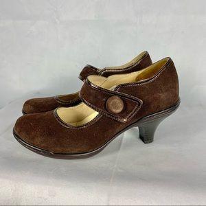 3for$20 DENVER HAYES brown suede Mary Jane heels 6
